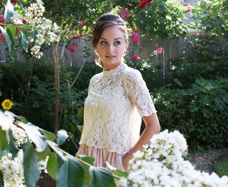 Blush and lace outfit 3